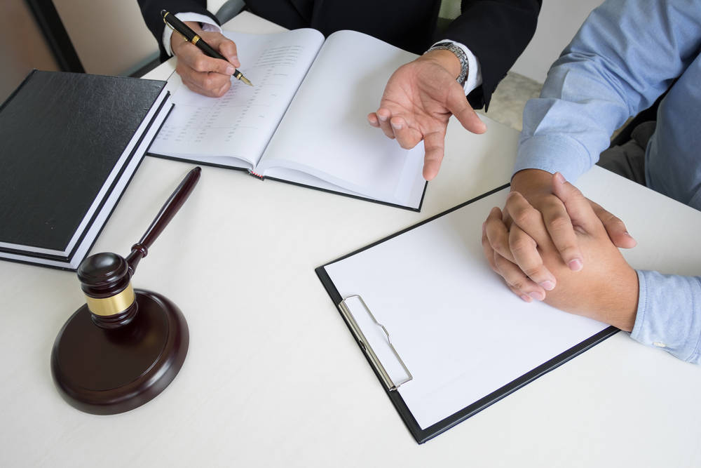 Paquetería y envío urgente para documentos importantes